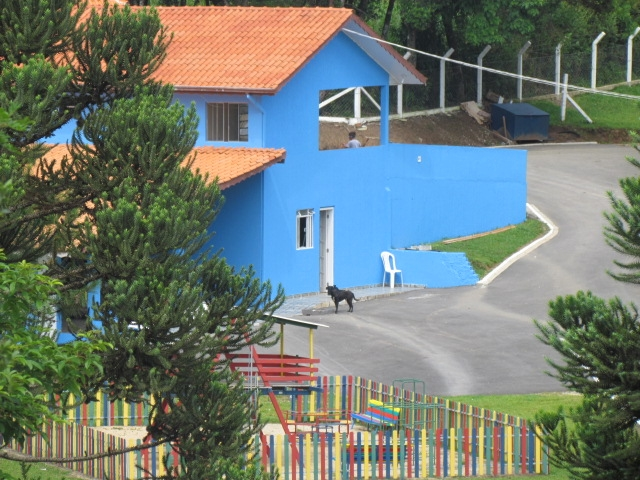 Playground e casa do caseiro;